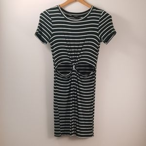 💋 Forever 21 Dress Cut Out Striped Dress